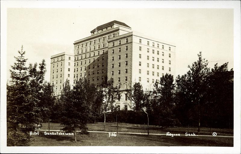 Regina Hotels  Bedroom Rooms Hotel Saskatchewam