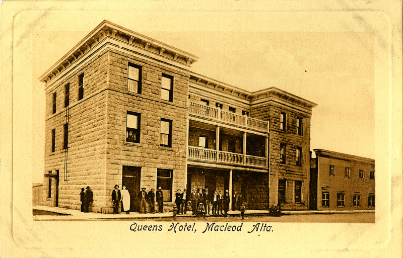 Postcard 12326: C. S. Co. Ltd, Queens Hotel, Macleod Alta ...